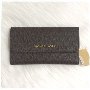 NWT! Michael Kors Jet Set Large Tri fold Wallet